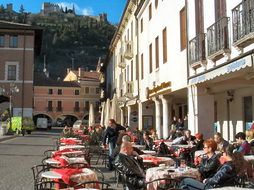 Relaxing in the square in Marostica